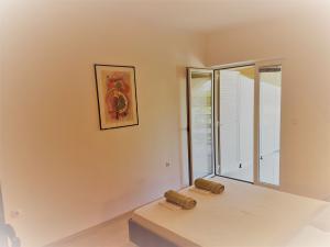 161610-apartments-vrtlici-a3-room-with-terracef3fb2544-00d0-f2f3-4741-d7661c9f0e9c