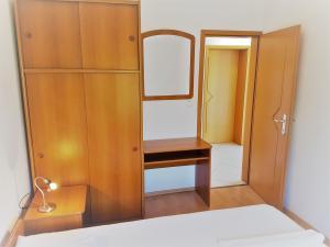 20-apartments-vrtlici-a4-bed-rooma6d6222e-afcc-7b8e-9d75-495e4d57034d