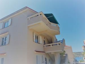 5-2-apartments-vrtlici-housedf9c9489-e8b4-c81c-6584-e152fe3f5938
