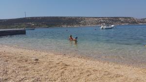 beach-in-front-of-house39a97e32-d7de-c069-a55d-9bba60918a6e