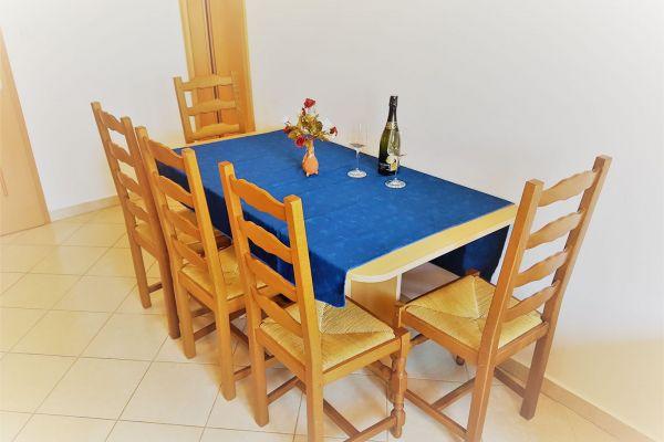 17-apartments-vrtlici-a3-dining-room8d0f50e3-3ba8-aa64-fae5-2ef67645619bFEA60915-ADB7-E4EE-76DD-F1BB85455488.jpg