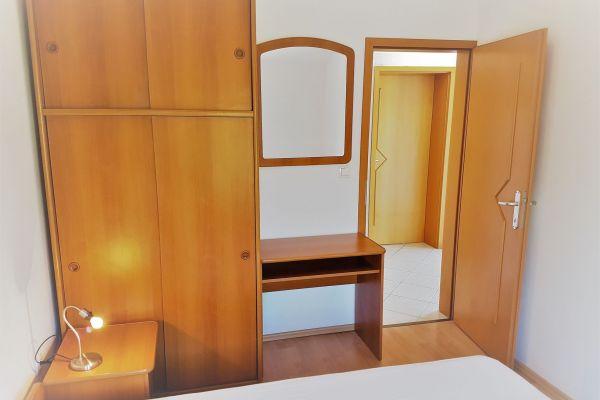 20-apartments-vrtlici-a4-bed-rooma6d6222e-afcc-7b8e-9d75-495e4d57034d44773B6E-C4CE-9F86-C0AA-B992B2294AF4.jpg