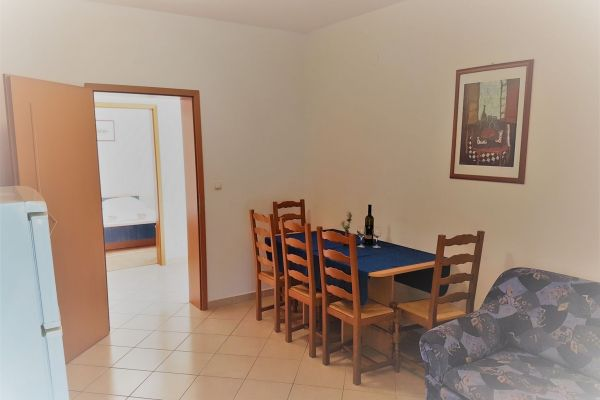 4-apartments-vrtlici-a1-picture-of-dining-room85a9b687-2c12-caef-d484-0c4346e8de8cC2E4BE35-F858-0C6F-2BD6-750E7E8B77A8.jpg