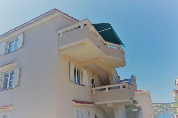 5-2-apartments-vrtlici-housedf9c9489-e8b4-c81c-6584-e152fe3f59388DE7F1B6-EE43-7D3C-6BF4-90C86C00D48C.jpg